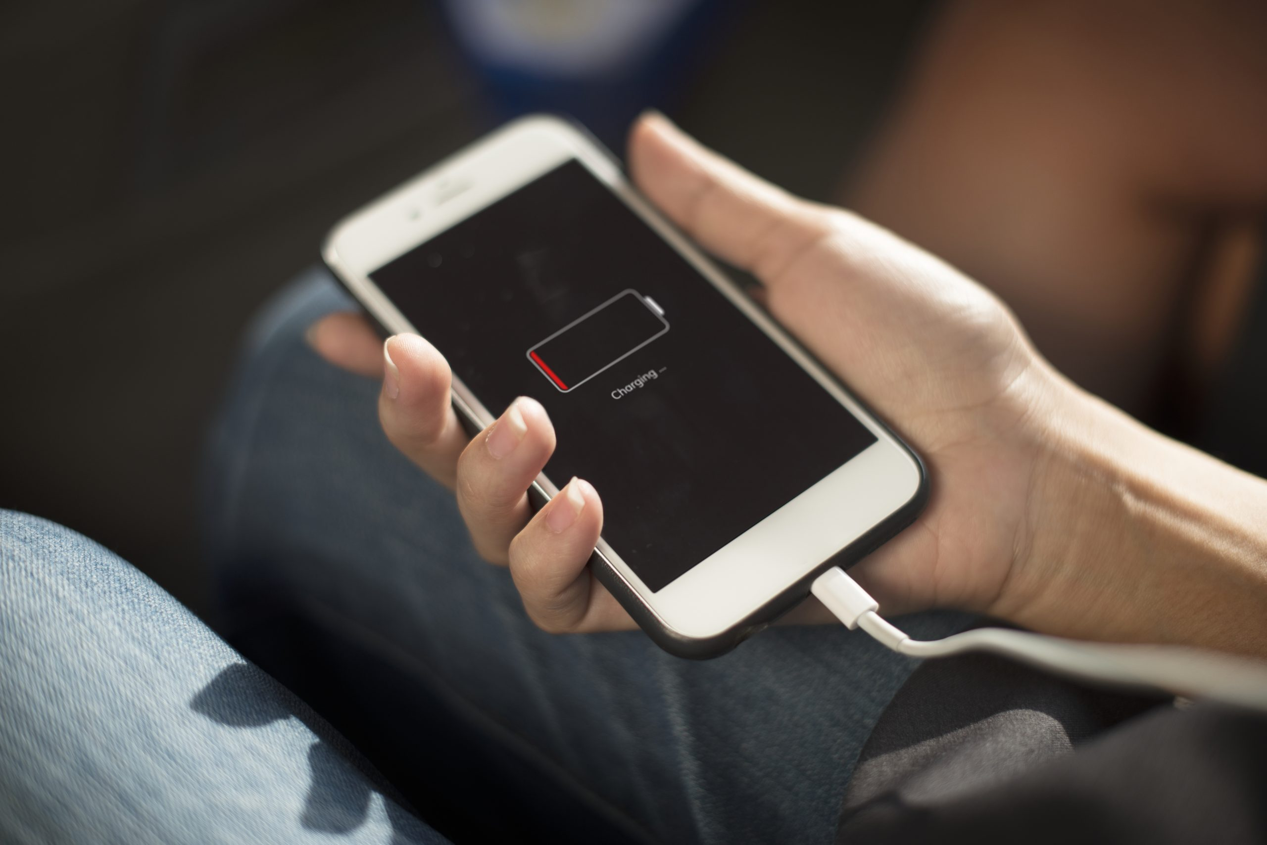 sostituzione-batteria-telefono-cellularre-smartphone-pc-mac-imac-macbook-pro-apple-desenzano-del-garda-brescia-moniga-manerba-sirmione-montichiari-peschiera-padenghe-castiglione-lonato