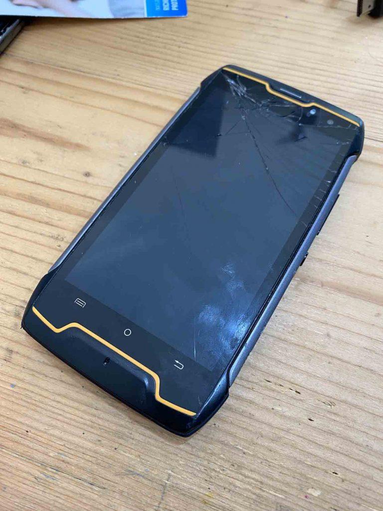 recupero dati da telefono cellulare con connettore di ricarica rotto